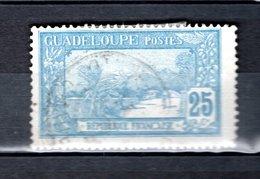 GUADELOUPE N° 62  OBLITERE COTE 0.50€     MONT HOUELMONT PAYSAGE - Oblitérés