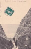 CPA 76 @ PENLY - Le Chemin De La Mer Dans La Falaise. - France