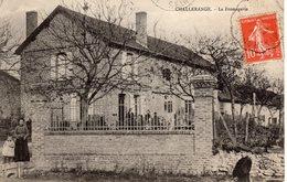 CHALLERANGE.  La Fromagerie - France