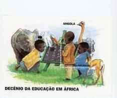 Angola-1998-Eléphants-aut Ruche-l'éducation   En Afrique-bloc38***MNH - Angola