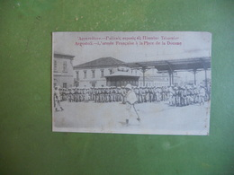 CPA GRECE ARGOSTOLI L ARMEE FRANCAISE A LA PLACE DE LA DOUANE JANVIER 1917 EXC ETAT - Grèce