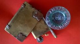 BRITISH ARMY LICHTER  BIBLE WW1 AND ENOS  CAP FOUND IN DOIRAN  REGION - 1914-18