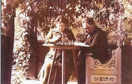 GAMES, CHESS, COUPLE PLAYING CHESS, VINTAGE REPRINT - Echecs