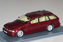 BMW 520I E39 2002 TOURING DARK RED METAL NEO 43301 1/43 5ER RESINE BREAK SW - Voitures, Camions, Bus