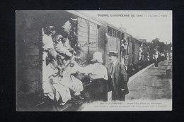 MILITARIA - Carte Postale - A Champigny - Jeunes Filles Offrant Du Champagne Aux Tirailleurs Algériens - 1914 - L 22554 - War 1914-18