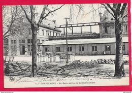 08-Charleville-La Gare Aprés Le Bonbardement  -cpa écrite - Charleville