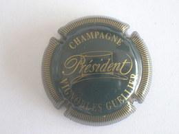 Capsule Champagne Guellier, Cuvée Président, N° 2, Vert Foncé Et Or, Striée - Champagne