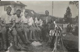 Carte Photo - Thème Militaire -Groupe De Soldats - Soldat - Suisse ??  Foto - Typa K. Kuchler - Personen