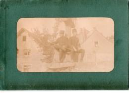 LE-MONASTERE (sous Rodez ) -- Photo Originale 2 Militaires Posant  Pres De La Croix - France