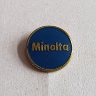PHOTO PHOTOGRAPHY MINOLTA   BROCHE INSIGNE  PIN  BADGE DISTINTIVO - Fotografie