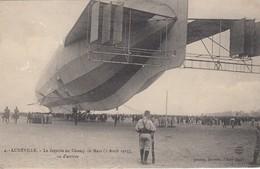 Lunéville. Le Zeppelin Au Champ De Mars... - Luneville