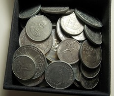 Box With 50 Portuguese Commemorative Coins (2 1/2, 5, 25, 100, 200 And 250 Escudos) Some Coins Have Stains / Dirt. - Kiloware - Münzen