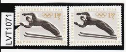 LVT1071 ÖSTERREICH 1963 MICHL 1138 PLATTENFEHLER HANDSCHUH über MARKENRAND Postfrisch - Abarten & Kuriositäten