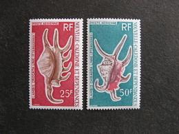Nouvelle-Calédonie: TB Paire PA N° 129 Et N° 130, Neufs XX . - Poste Aérienne