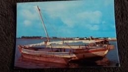 CPSM DJIBOUTI BOUTRE A L ESCALE  1000 31 ED A BOURLON  BARQUE TYPIQUE - Djibouti
