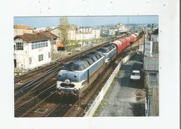 LES CC 65006 ET 65002 EN UM DEMARRENT UN TRAIN EN GARE DE SAINTES (17) AVRIL 87    (313) - Saintes