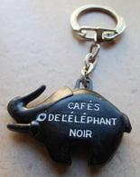 Porte  Clefs    CAFE DE L'  ELEPHANT NOIR - Porte-clefs