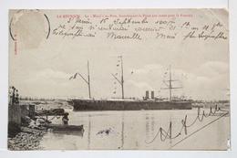 """LA REUNION. Le """"Natal"""" Au Port Franchissant La Passe (en Route Pour La France) Collection H.M. - Réunion"""