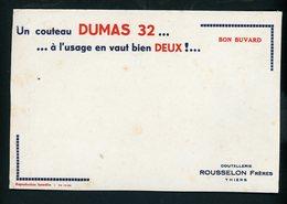 BUVARD:  UN COUTEAU DUMAS 32 , À L'USAGE EN VAUT BIEN DEUX - ROUSSELON THIERS - FORMAT  Env. 20X13 Cm - Buvards, Protège-cahiers Illustrés