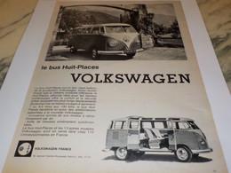 ANCIENNE  PUBLICITE LE BUS HUIT PLACES  VOLKSWAGEN  1960 - Camions