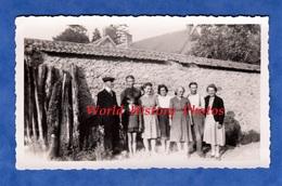 Photo Ancienne Snapshot - BOURSAULT ( Marne ) - Portrait D'une Famille à Identifier - 1942 - Homme Femme Enfat - Lieux