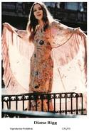 DIANA RIGG - Film Star Pin Up PHOTO POSTCARD - C41-41 Swiftsure Postcard - Artistas