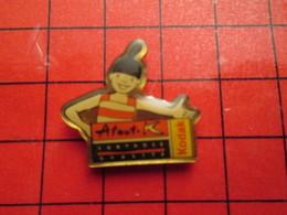 1418c Pins Pin's / Rare & De Belle Qualité  THEME : PHOTOGRAPHIE / KODAK PELLICULE ATOUT K - Animaux