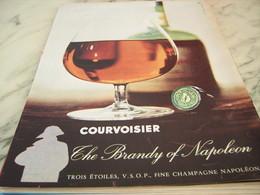 ANCIENNE PUBLICITE COGNAC GALA COURVOISIER THE BRANDY OF NAPOLEON 1960 - Alcools