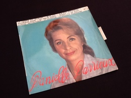 Vinyle 33 Tours (25cm)  Avec Languette Danielle Derieux Le Temps Des Muguets (1959) - Vinyles