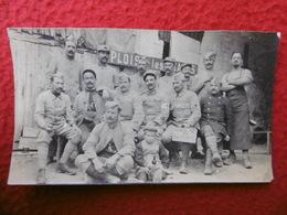 GROUPE MILITAIRES TENANT UN LAPIN 16 REGIMENT A PLOISY PHOTO 10.5 X 6 - War, Military
