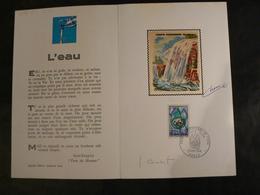 """Document """"Charte Européenne De L'eau"""" - Soie De Chesnot Et Sa Signature + Signature Combet - 1968 - Documenten Van De Post"""