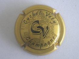 Capsule Champagne Cuchet-Vely, N° 1, Or Et Noir - Champagne