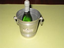 Seau à Champagne Et Bouteille Miniatures - Alcools
