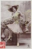Mouchette De La Cigale ARS Paris Chapeau Plume Faisan Paniers De Fleurs - Cabarets