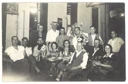 Cpa Carte-photo Café Du Capitole 1937 ( Marseille , Toulouse ? / Bouteille Avec Cigogne ) - Cafés