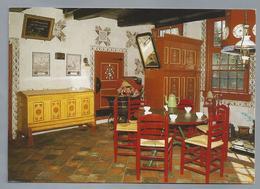 NL.- STAPHORST. Gemeentelijk Museumboerderij. Interieur Met Bissekist, Spinde, Klaptafel En Knopstoelen. - Museum