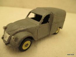 Voiture  Miniature 1/43 Em  DINKY TOYS - 2 CV CITROEN Camionnette  Peinture  Bleu Ciel - Jouets Anciens