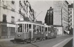 Photo - Lyon - Tramway - Ligne Gare De Vaise à Villeurbanne - Gros Plan - Trains