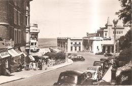 Le Casino Et Descente De La Plage - Biarritz