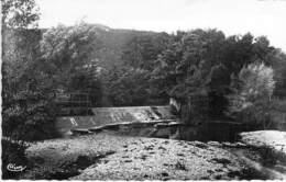 01 - MONTLUEL : Le Glacis - CPSM Dentelée Noir Blanc Format CPA 1950 - Ain - Montluel
