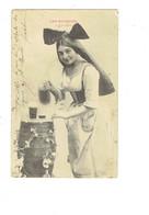 Cpa - EDITION BERGERET - Femme élégante Robe Alsacienne - Les Boissons La Bière Tonneau Chope - Bergeret
