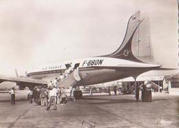 Bouches Du Rhone        H710        Aéroport De Marignane.Appareil DC 4 .Embarquement Des Passagers - Marignane