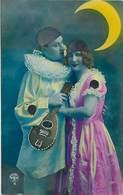 Themes Div-ref Z972- Couples - Couple - Pierrot Et Colombine Au Clair De Lune  - Carte Bon Etat  - - Couples
