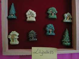 Serie Complète De 8 Fèves Artisanales MH MOULIN A HUILE - LES ARBRES PETRIN RIBEROU 2005 ( Feve Figurine Miniature ) - Charms