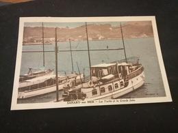Sanary Sur Mer Les Yachts Et La Grande Jetée - Sanary-sur-Mer