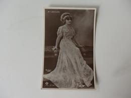 Carte Photo De Melle Lantelme En Robe Du Soir. - Postcards