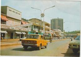 DAV :  Cameroun :  YAOUNDE ,  Avenue  Kennedy  1977 , Voiture - Cameroun