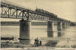 D45 - GIEN - VIADUC DE LA LIGUE D'ARGENT - Enfants Au Bod De L'eau - Train Sur Le Viaduc - Carte Photo - Gien