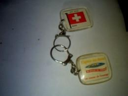 Porte Clefs Ancien  Publicitaire Fromage Caprice Des Dieux Theme Pays D Europe La Suisse - Porte-clefs