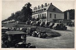 AK - CPA Autriche (Basse-Autriche) Alignement De Tacots à Berghotel Tulbingerkogel - 550 M Seehöhe, Post Mauerbach N. Ö. - Voitures De Tourisme